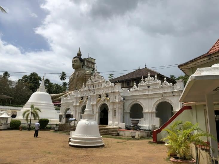 Plus grand Buddha du Sri Lanka
