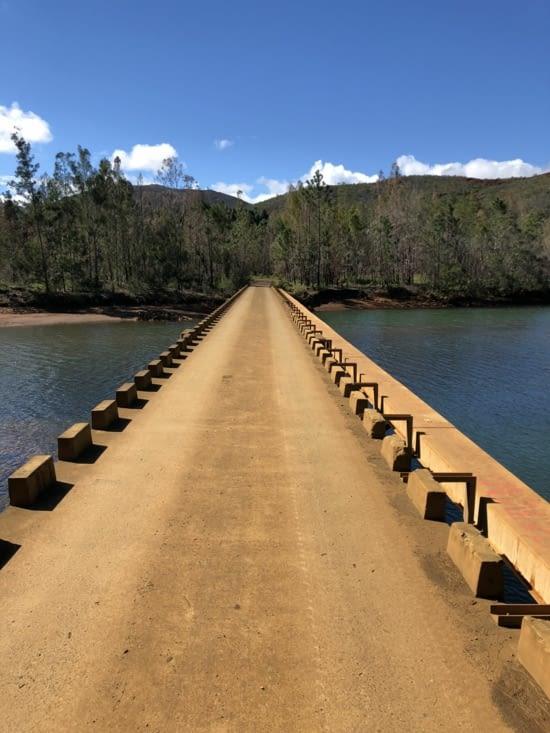 Pont de la Rivière des Pirogues