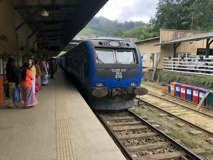 Départ de Nuwara Eliya - Gare de Nanuoya