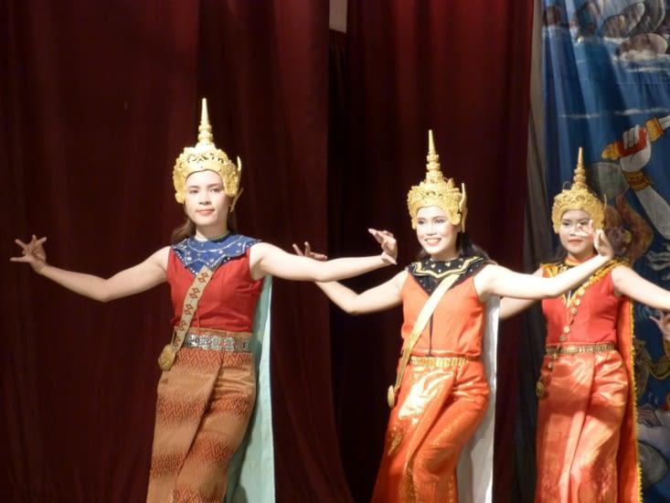 les asparas, danseuses royales