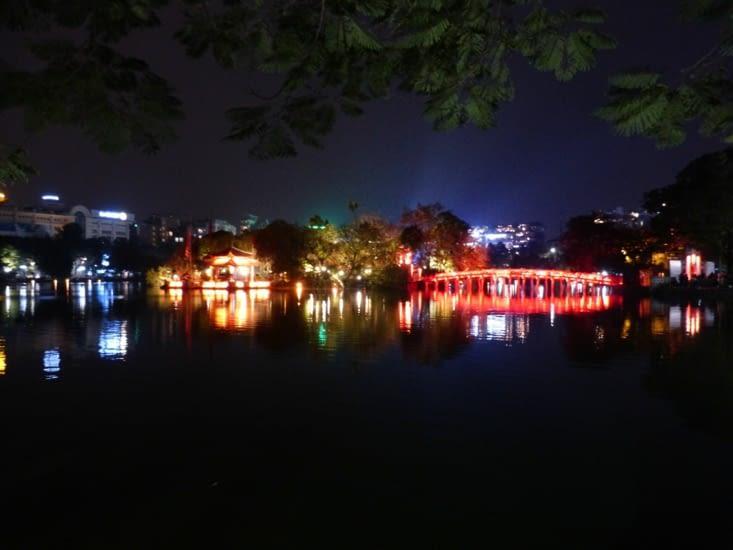 lac Hoan kiem,le temple de la montagne de jade