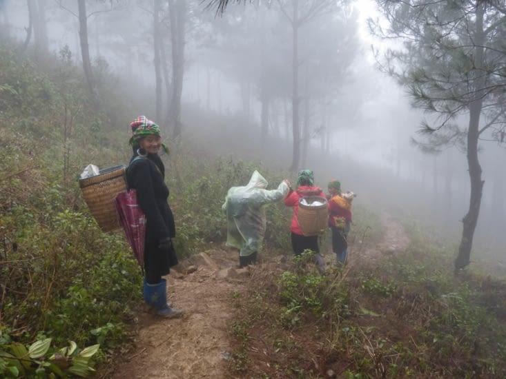 Jour 2. nous franchissons un col dans le brouillard au rv ce matin