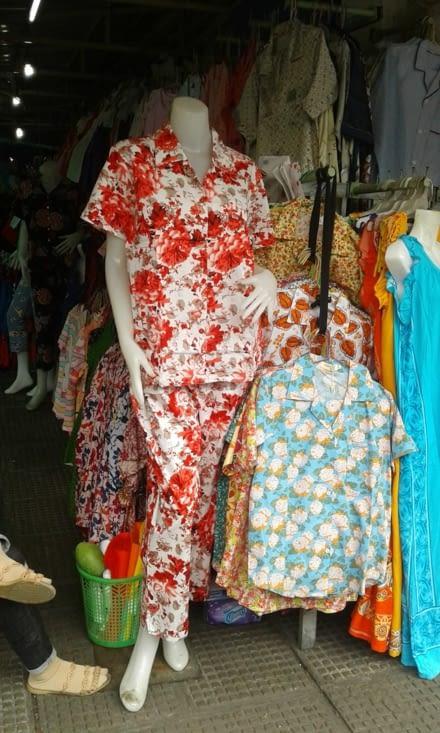les pyjamas que portent les femmes même pendant la journée