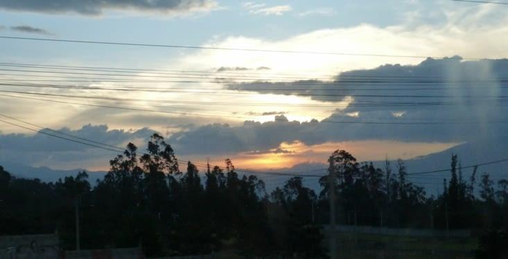 nous sommes encore sur la route quand le soleil se couche