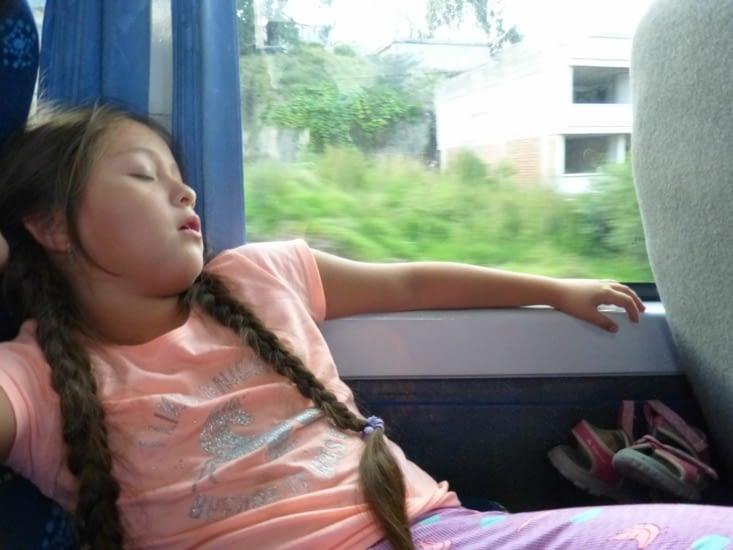 on profite des 7h de bus pour faire une petite sieste