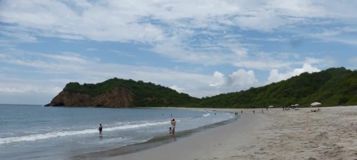 """baignade à la plage de """"los frailes""""Cette plage de sable blanc fait partie"""