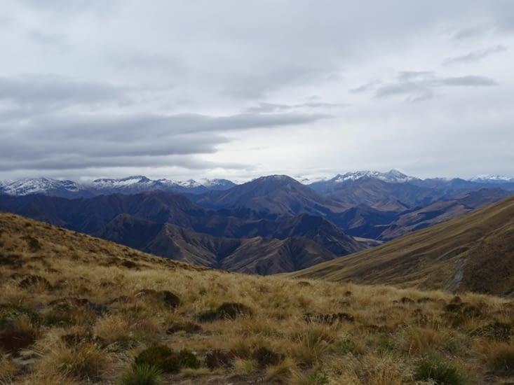 Les plus hautes montagnes sont déjà enneigées