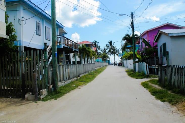 Une rue de l île