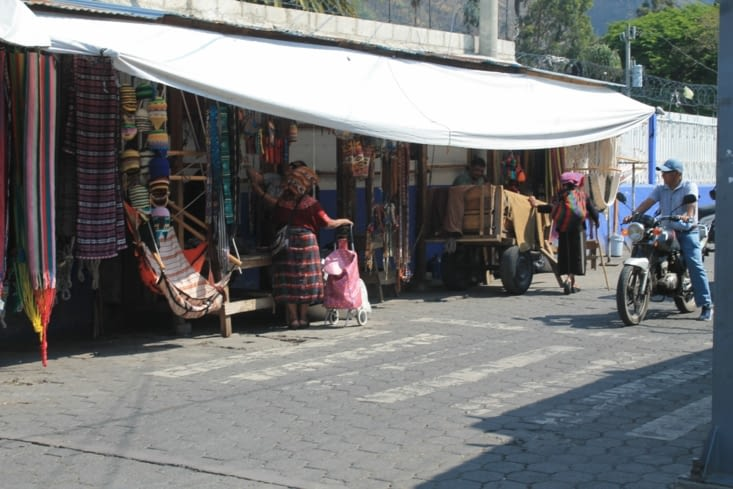 Rue principale de Panajachel