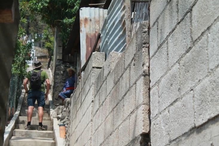 Ruelle en escalier  du village