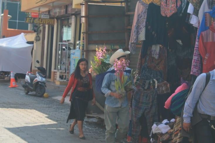Un vendeur de fleurs