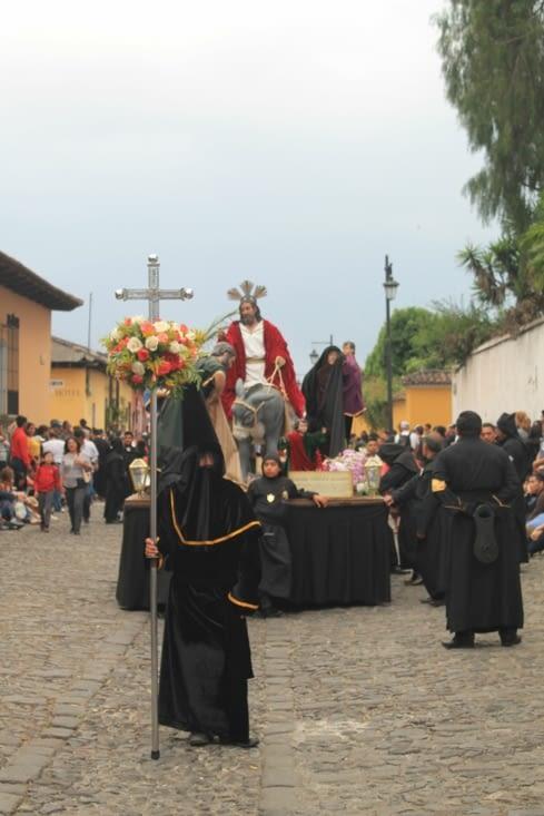 Procession après crucifixion de Jésus