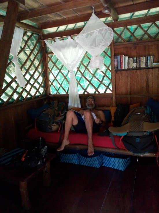 Le salon très pratique pour déposer nos sacs!