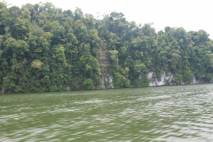 Falaise rio dulce