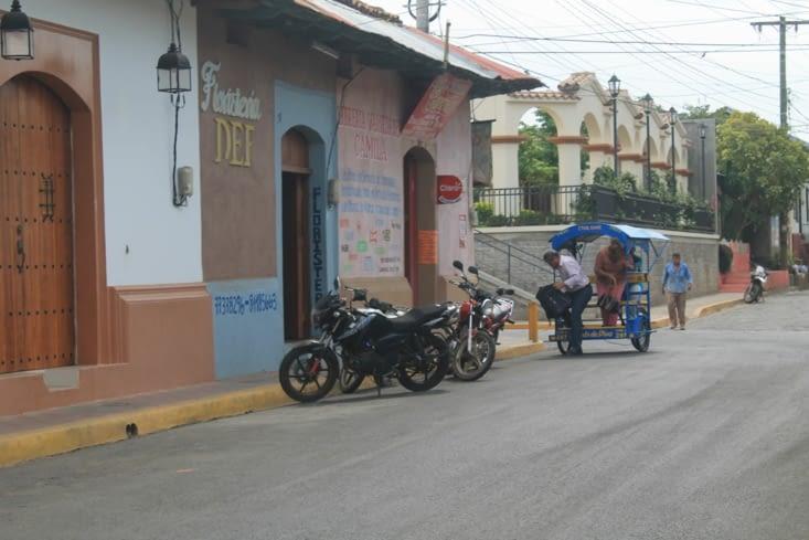 Ici le transport rural c'est  La bicicleta