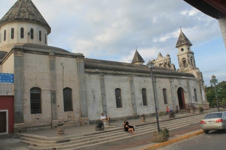 Cote de la même  Église reconstruite.