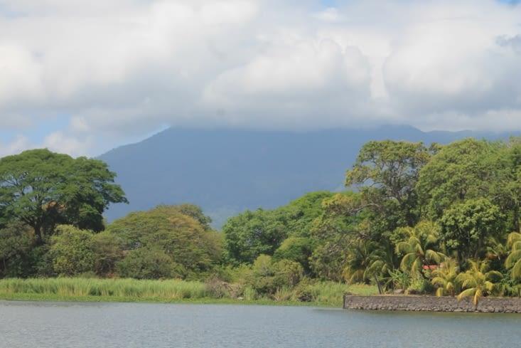Vue sur le volcan