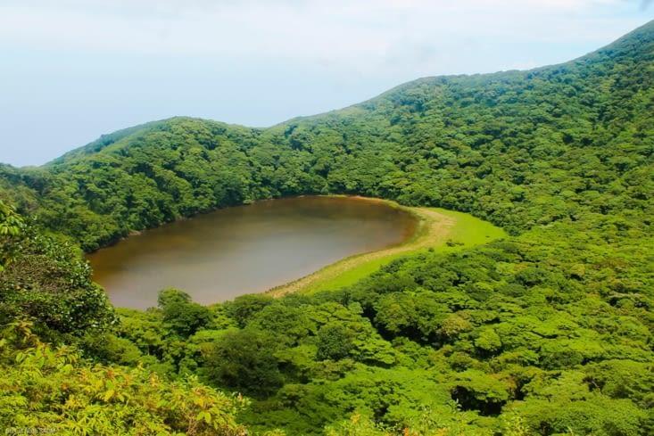 On est en haut de notre ascension, vue sur cette lagune quasi inaccessible