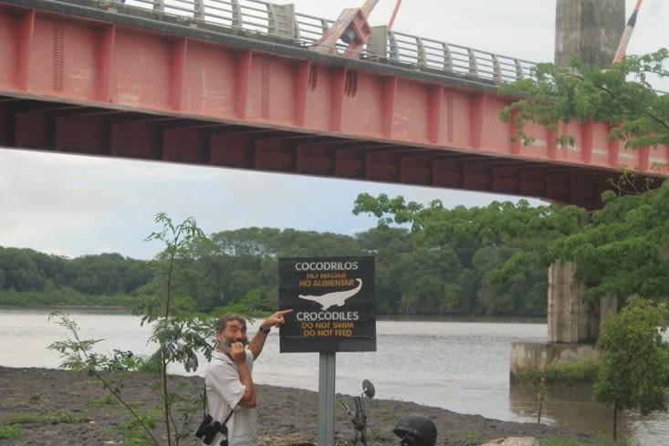 Pont de l estuaire du rio Tampisque
