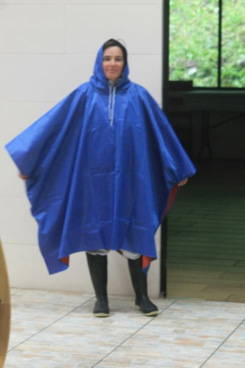 Oh mon poncho oh oh oh, c'est le plus joli des poncho, oh oh oh