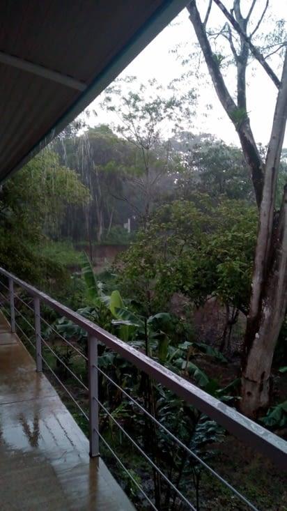 Il pleut des cordes