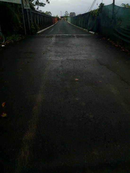 Le pont à franchir à pied pour arriver à la douane panaméene