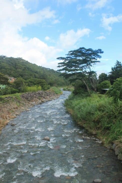 La rivière qui traverse  Boquete et qui vient du volcan  Baru