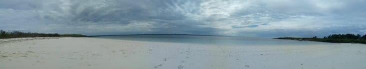 La même  plage, tout n est pas sale partout  Tout dépend comment tu fais ta photo!