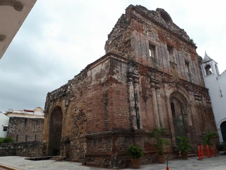 Ruinas de la compagnia  de Jésus