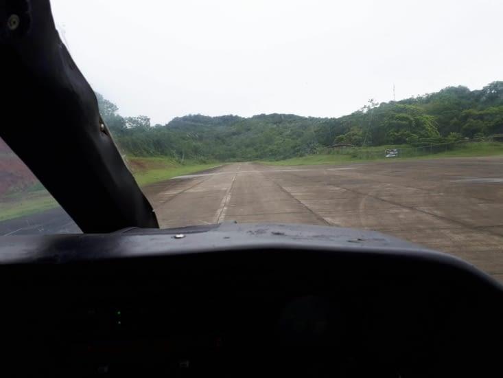 Atterrissage sur la piste de Puerto olbadia