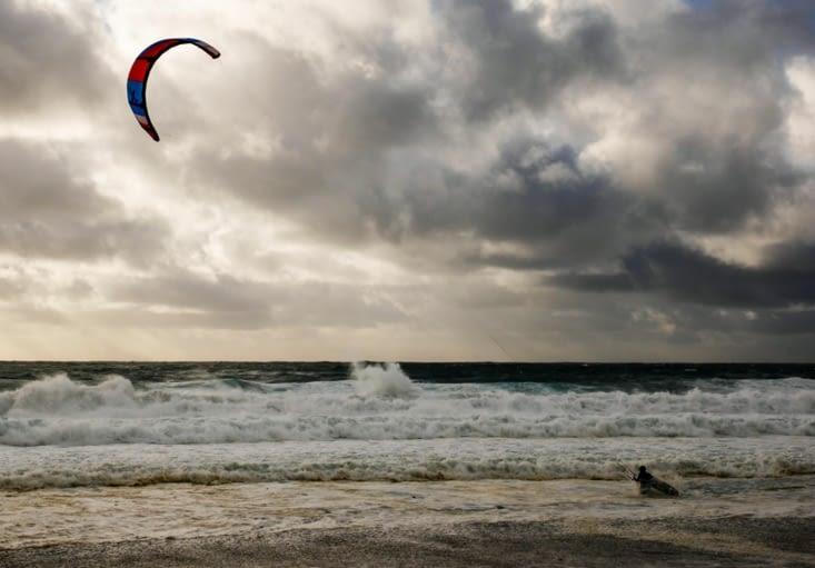 Kite surfeur téméraire