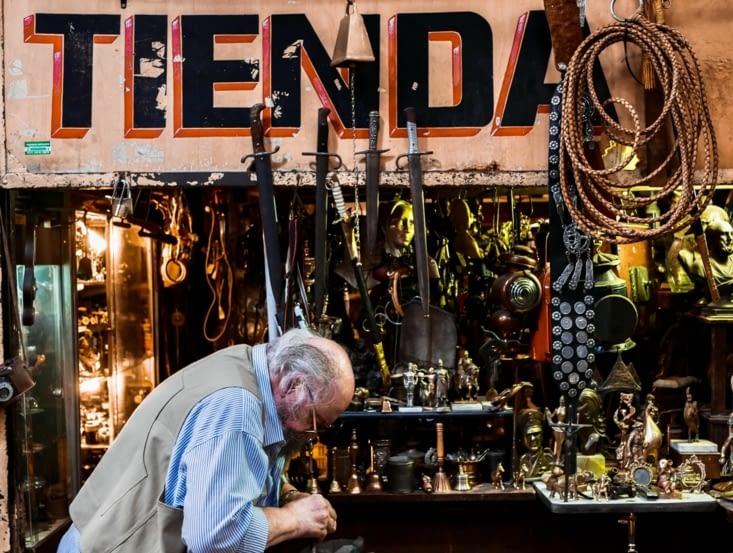 Mercado de San Telmo <3 <3 <3  Tienda de bric a brac