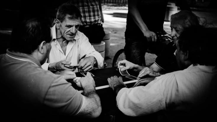 Quartier de Palermo, ça joue aux cartes et aux dames dans les parcs, la belle vie !