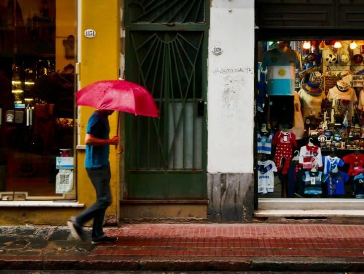 San Telmo, de la couleur malgré la pluie