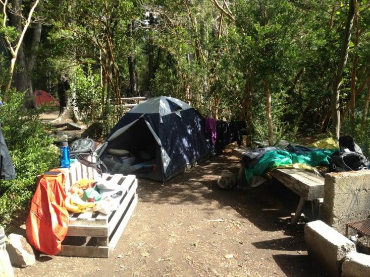 Notre campement, super camping sur les rives du fleuve !