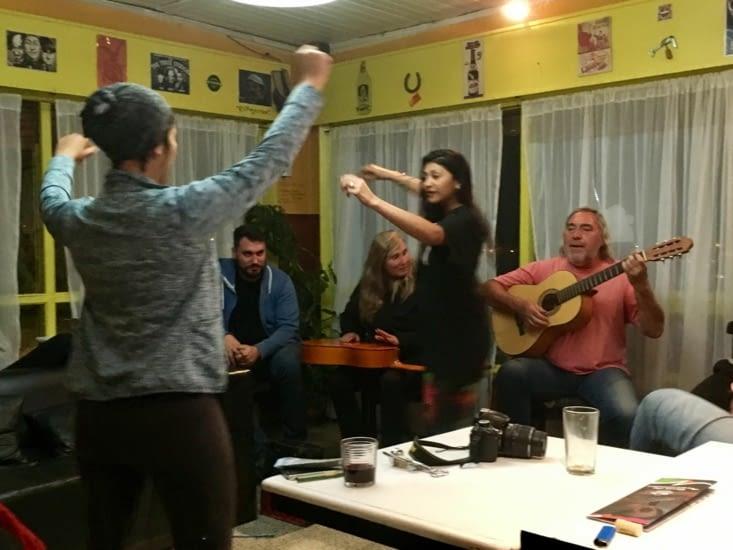 Un peu de musique argentine - Ils savent tous jouer, chanter ou danser ici !