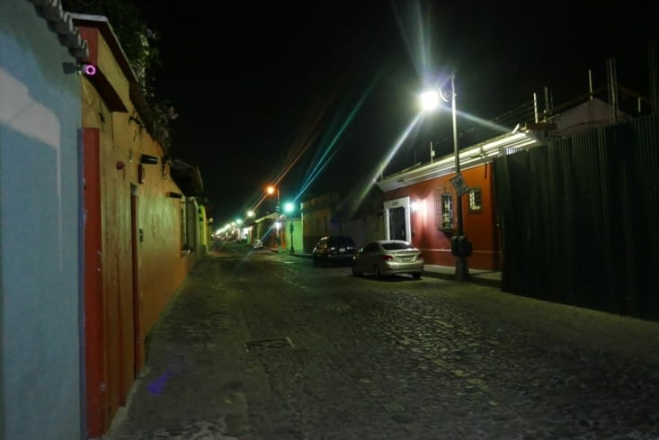 La nuit tombée, très vite les rues se vident