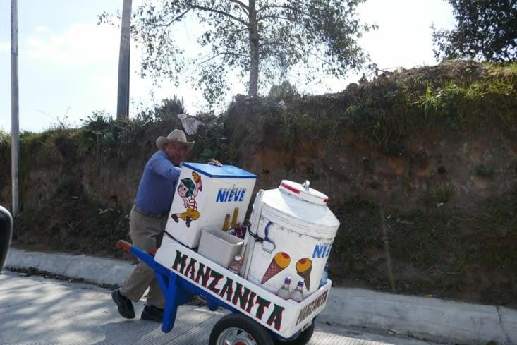 Un vendeur de glace. Toutes les situations se transforment en opportunités !