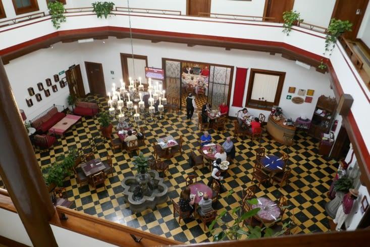 Le magnifique hall de notre hôtel, le panamerican.