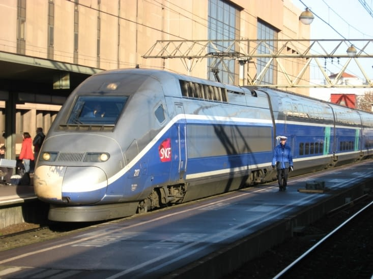 Avant il faut un petit tour de TGV Lyon Paris