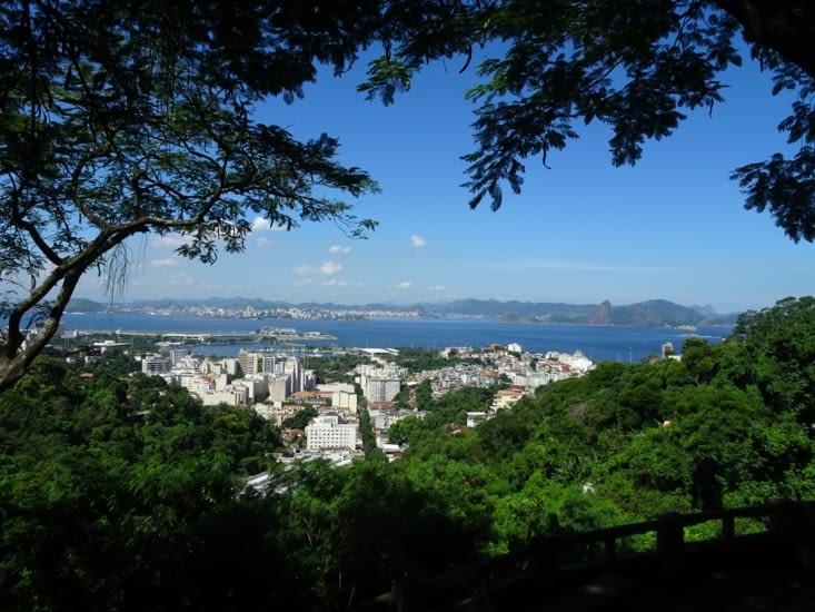 Montagne, mer, nature, plage, building.... il y a tout à Rio