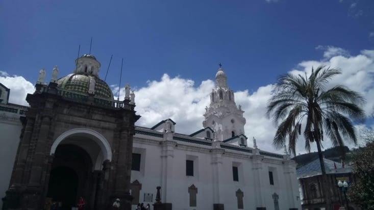 Cathédrale de Quito sur la Plaza de la Independencia (plaza grande)
