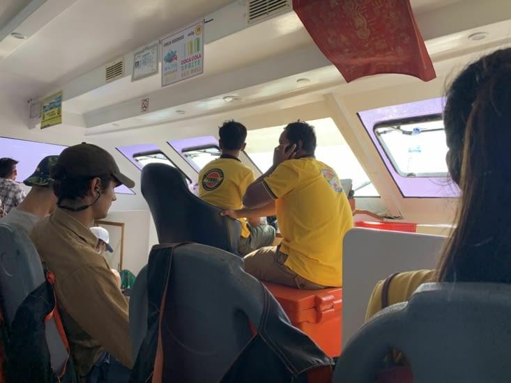 Dans le ferry !