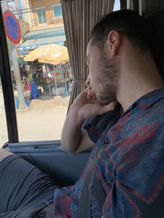 Jordan fait sa sieste dans le van!
