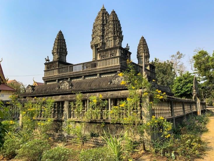 Un temple, donnant un petit avant goût d'Angkor