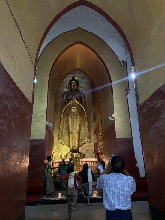 Un des 4 Bouddha d'or du temple