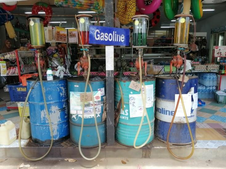 Une station essence rustique !