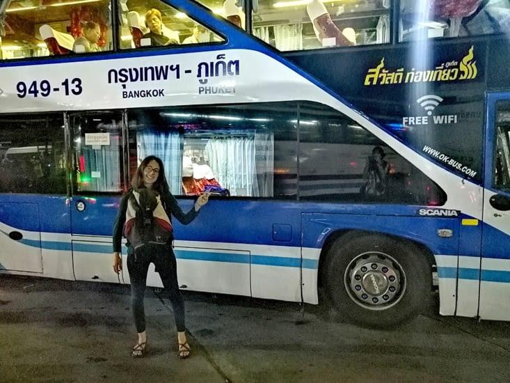 Changement de bus à Bangkok.