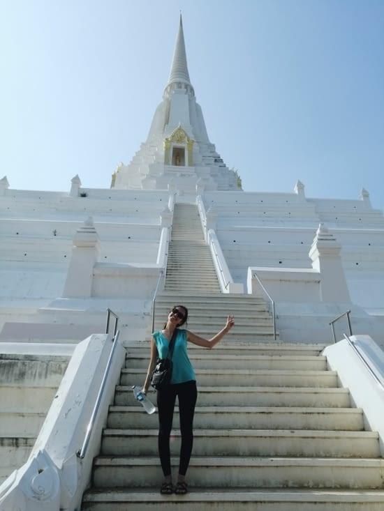 La pureté du Wat Phu Khao Thong.