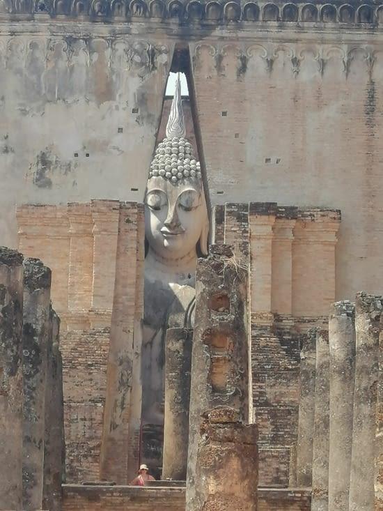 Le Bouddha géant du Wat Si Chum.